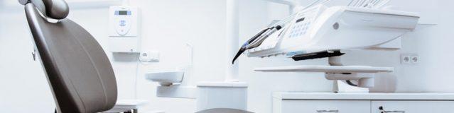 Las clínicas dentales recomiendan implantes: la solución para una imagen y salud bucal perfecta